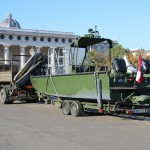 Arbeits- und Transportboot auf Anhänger © Doppeladler.com