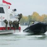 Das Schlauchboot legt ab © Doppeladler.com