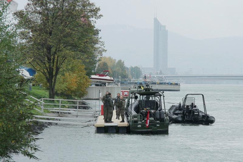 Die Speedboote und das auch nicht langsame A-Boot © Doppeladler.com