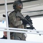 Kommando-Soldat auf dem Freideck © Doppeladler.com