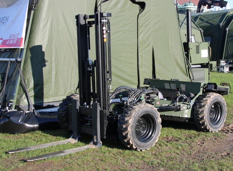 FLG 140 Feldladegerät 140 (zivil: Palfinger Crayler) © Doppeladler.com