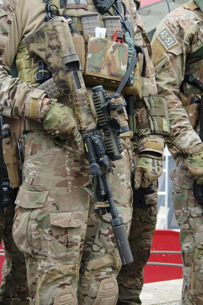 Sturmgewehr StG-77 A2 Commando © Doppeladler.com