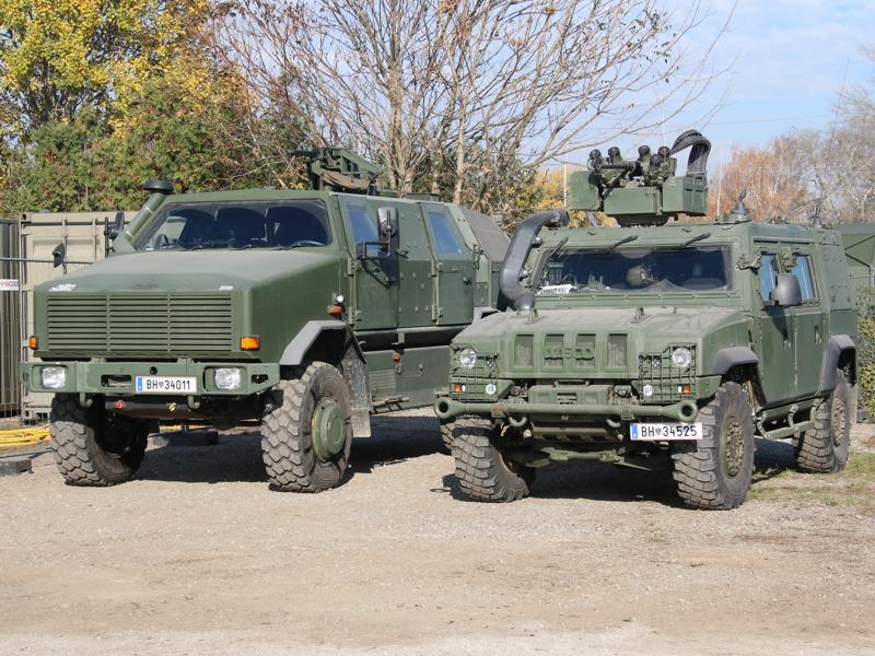 Links: Dingo 2. Rechts: Husar / IVECO LMV © Doppeladler.com