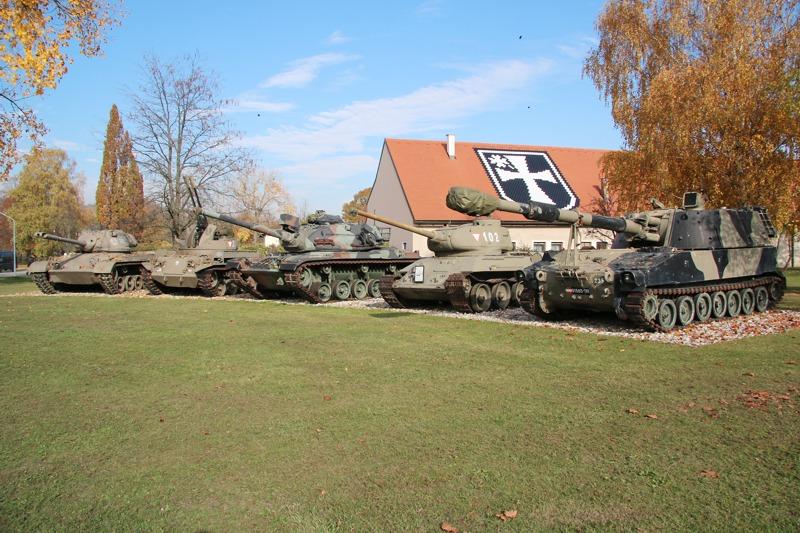 Teil der Fahrzeugsammlung der 3. Panzergrenadierbrigade © Doppeladler.com