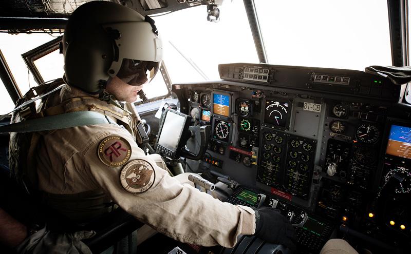 Pilot der C-130 mit der Kennung 8T-CB © Bundesheer