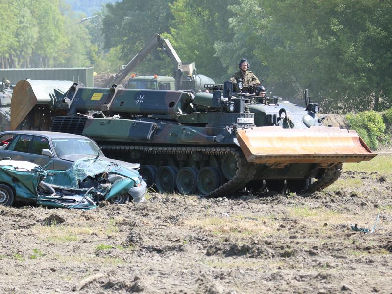 Pionierpanzer Dachs des Panzerpionierbataillons 4 der Deutschen Bundeswehr © Doppeladler.com