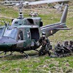 Agusta Bell AB-212 setzt österreichische und belgische Soldaten ab © Bundesheer