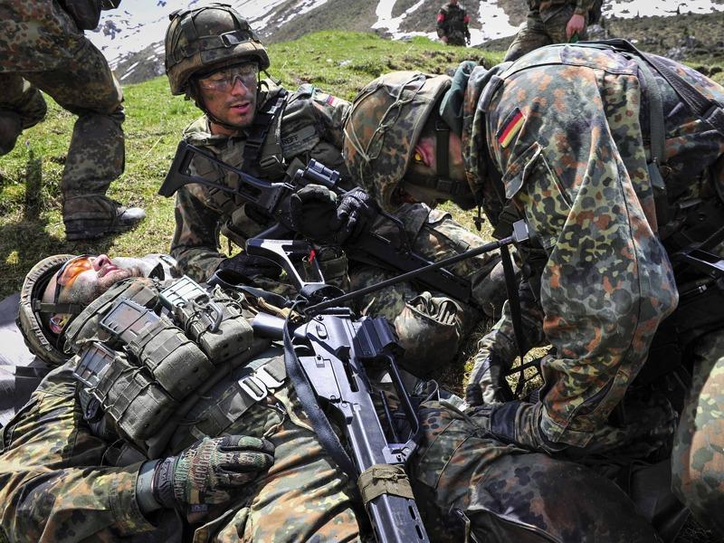 Verorgung eines Verwundeten © Bundesheer