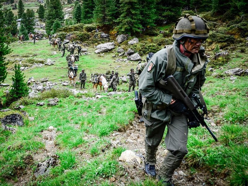 Haflinger oder selber tragen © Bundesheer
