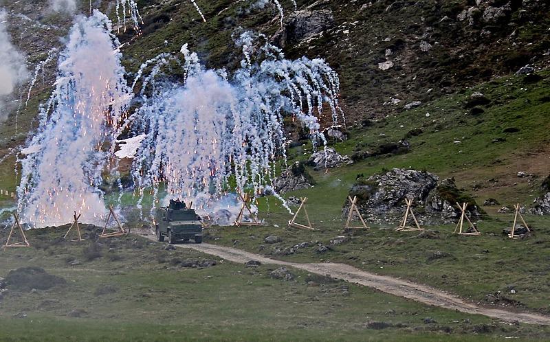 Husar (Iveco LMV) setzt seine Nebelgranaten ein © Bundesheer