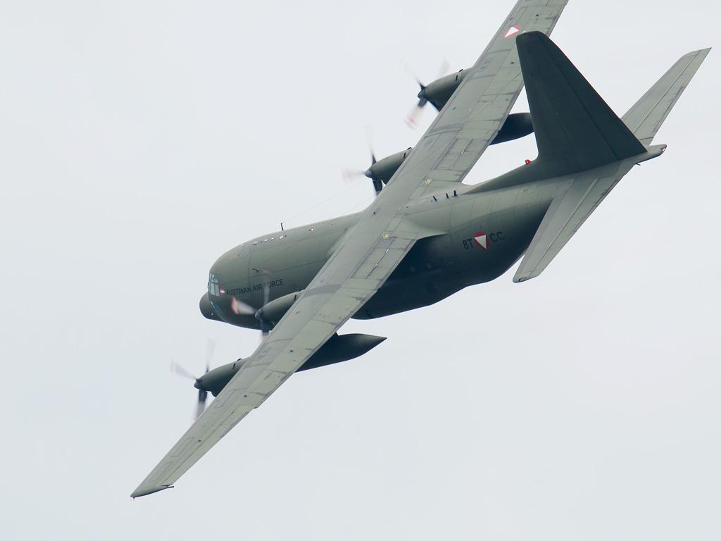 Lockheed Hercules C Mk.1P (C-130K) 8T-CC © Doppeladler.com