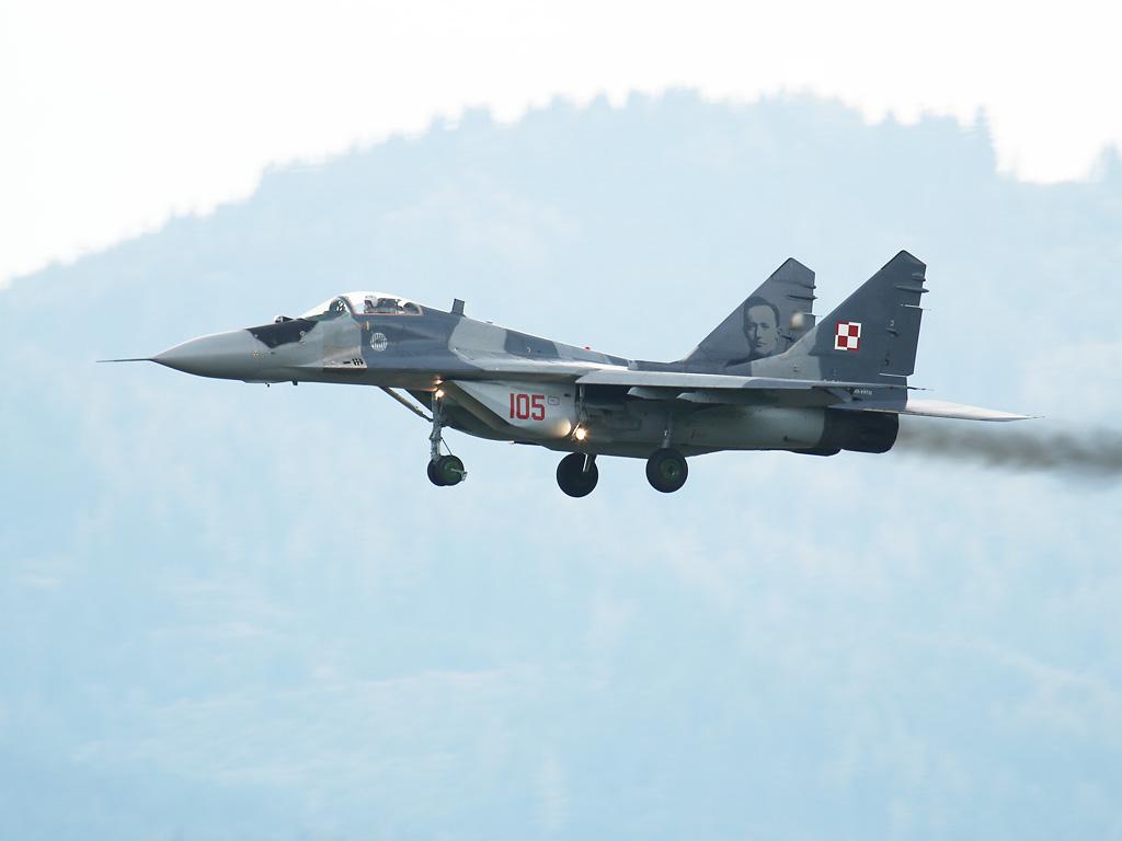 Mikojan-Gurewitsch MiG-29 A Fulcrum 105 © Doppeladler.com