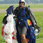 FK3 - Zufriedennach dem spannenden undgeglückten Wingsuit Cross Race © Franz Knuchel Jegenstorf