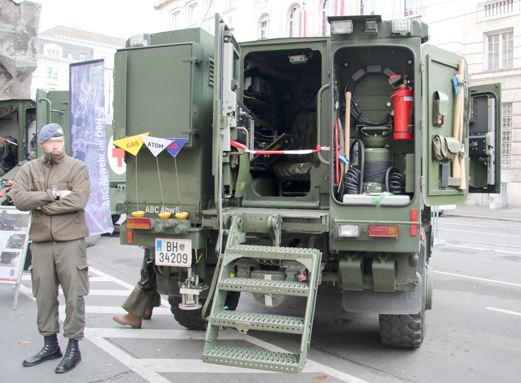 Dingo 2 als AC-Aufklärungsfahrzeug in der Spürversion © Doppeladler.com