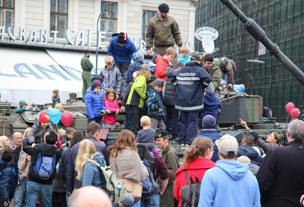 Schützenpanzer Ulan als Publikumsmagnet © Doppeladler.com