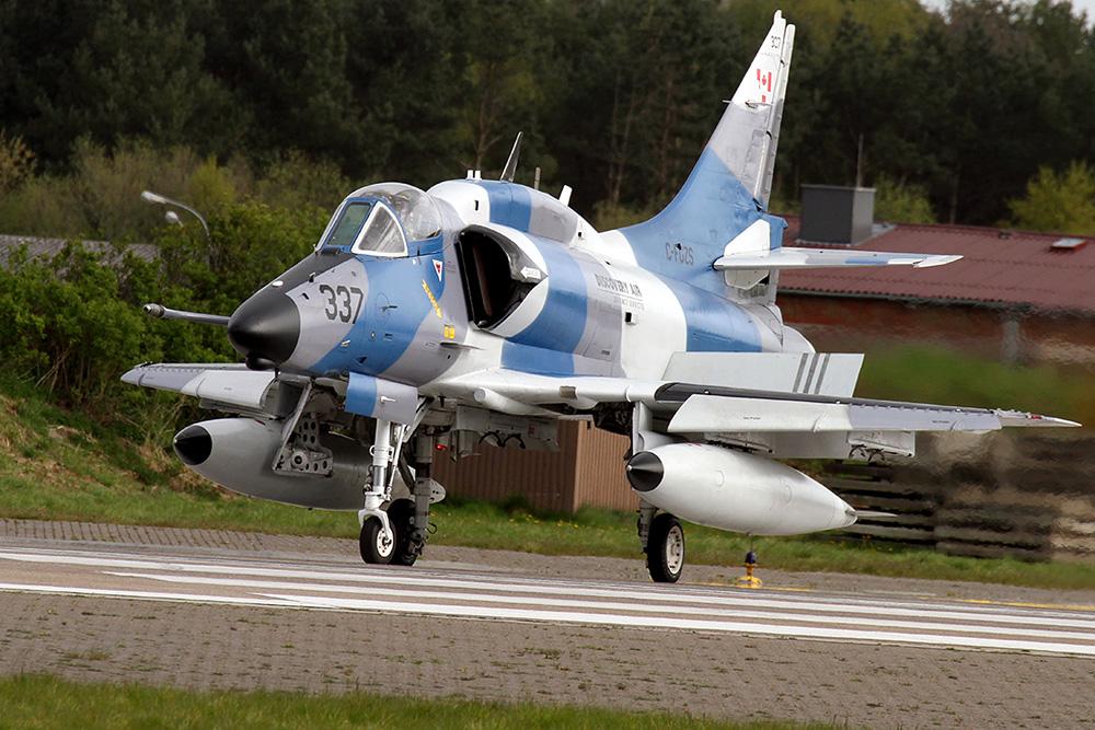 C-FGZS - McDonnell Douglas A-4N Skyhawk; Baujahr 1974 © Oliver Jonischkeit