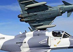 Eurofighter Typhoon trainieren mit Skyhawks von Discovery Air Defence © DAD