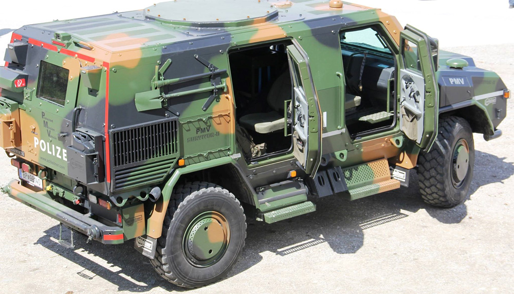 """Das """"Protected Mobility Vehicle"""" kann als Mannschaftstransporter neben einer 2-köpfigen Besatzung ein bis zu 8-köpfiges Einsatzteam transportieren © LPD Tirol"""