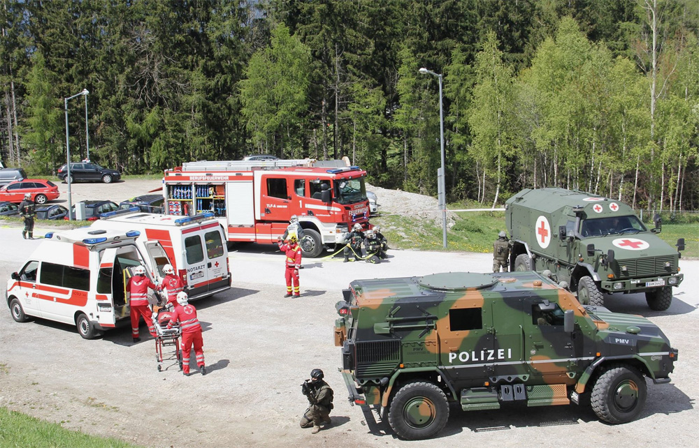 Das Zusammenwirken von Polizei, Bundesheer und Blaulichtorganisationen muss trainiert werden © LPD Tirol