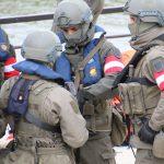 Diese Soldaten des PiB3 sind mit dem neuen Sentry XP Mid Cut Helm ausgestattet © Doppeladler.com