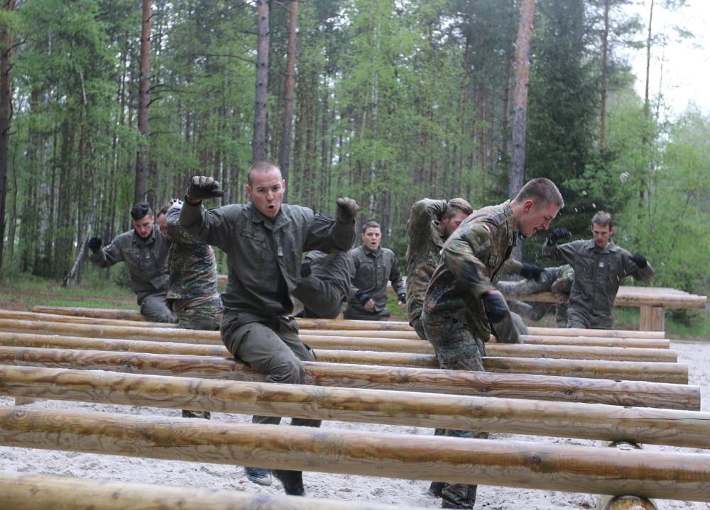 Hindernislauf - auch außerhalb ihrer Panzer wurde den Besatzungen einiges abverlangt © US Army