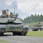 Treffen der Generationen: Kampfpanzer M1A2 SEP und Leopard 2A4 © US Army