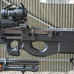 5,7 mm Maschinenpistole P90 Tactical von FN Herstal der Militärpolizei © Doppeladler.com