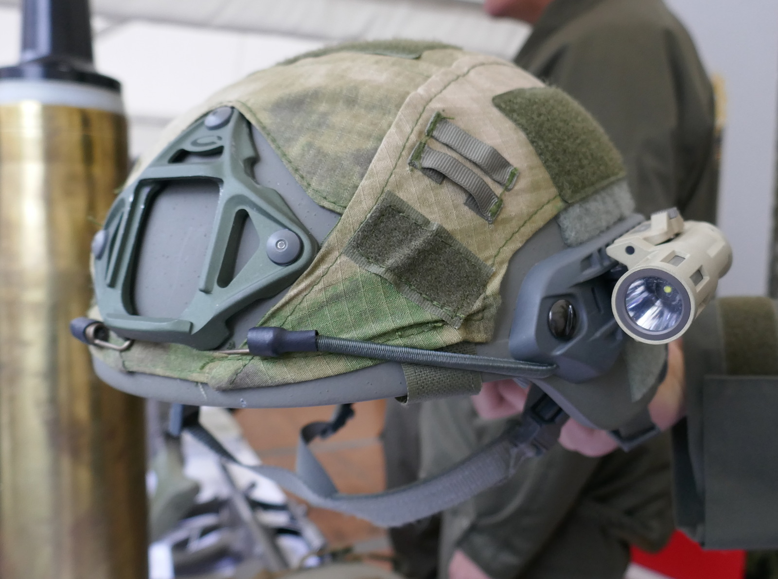 Neuer Helm: Sentry XP Mid Cut Helmet von Ops-Core Inc. © Doppeladler.com