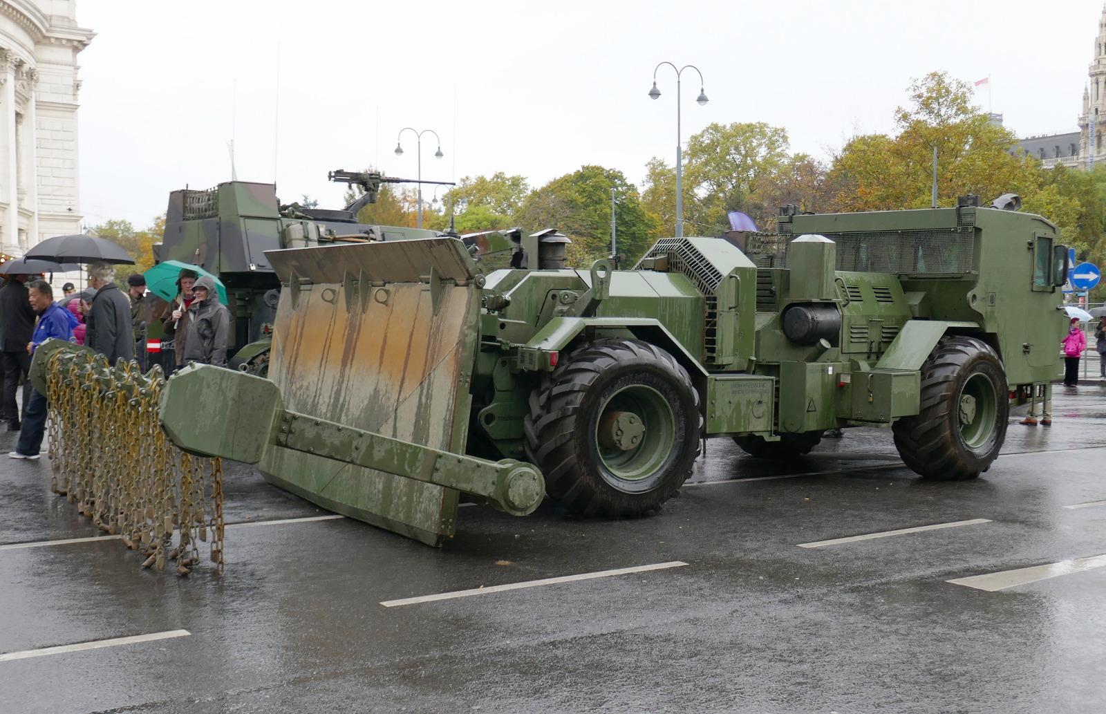 Bei der US Army ist das dänische Fahrzeug als M1271 Medium Flail Clearing Vehicle eingeführt © Doppeladler.com