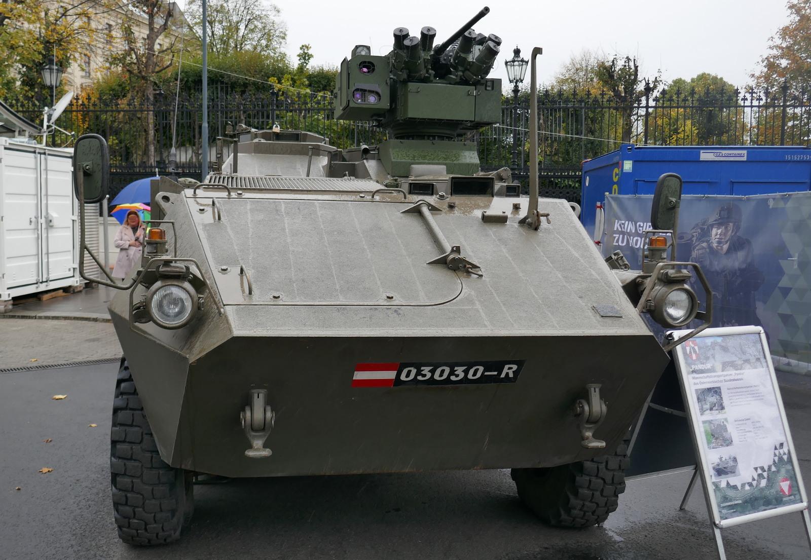 Mannschaftstransportpanzer Pandur A1 mit Waffenstation © Doppeladler.com