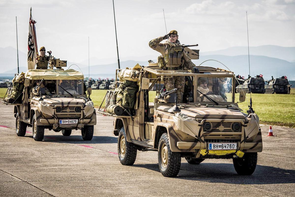 Ebenfalls bei der Parade in Wr. Neustadt war die aktuelle Version der Sandviper mit Frontschutzbügel zu sehen © Bundesheer