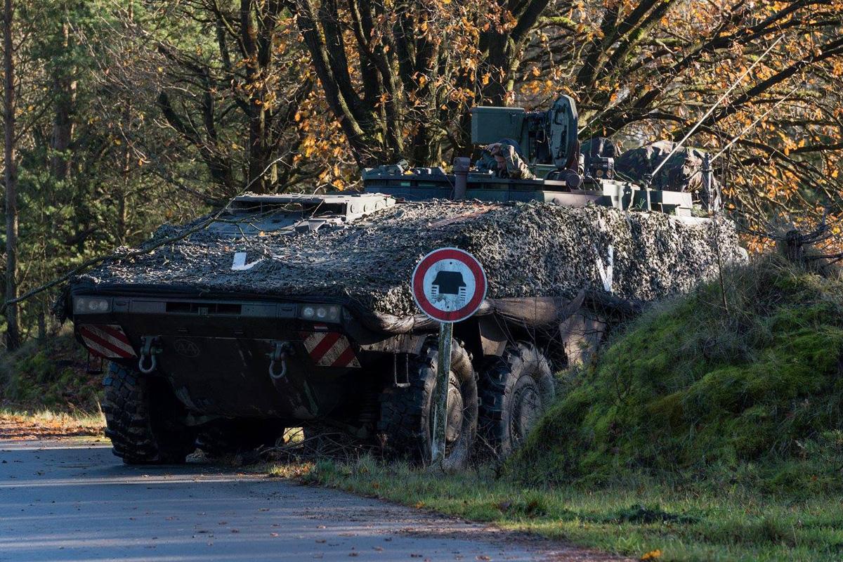 Mannschaftstransportpanzer Boxer 8x8 der Niederländer © 13 Lichte Brigade