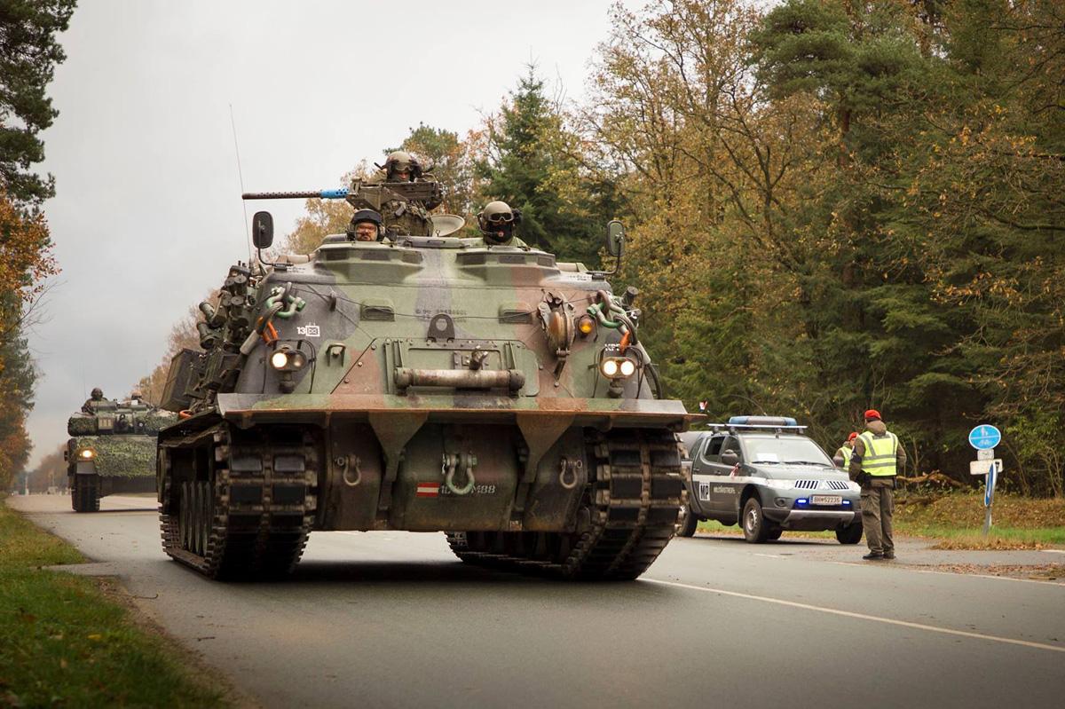 Bergepanzer M88A1 und Militärpolizei © Bundesheer
