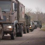 MAN 12.240 4x4 BL mit San-Aufbau in der Warteschlange vor dem Tank-Container © Bundesheer