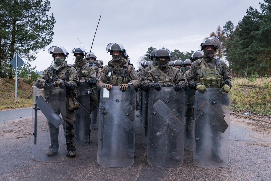 Österreichische Panzergrenadiere mit Crowd and Riot Control (CRC) Ausrüstung © 13 Lichte Brigade