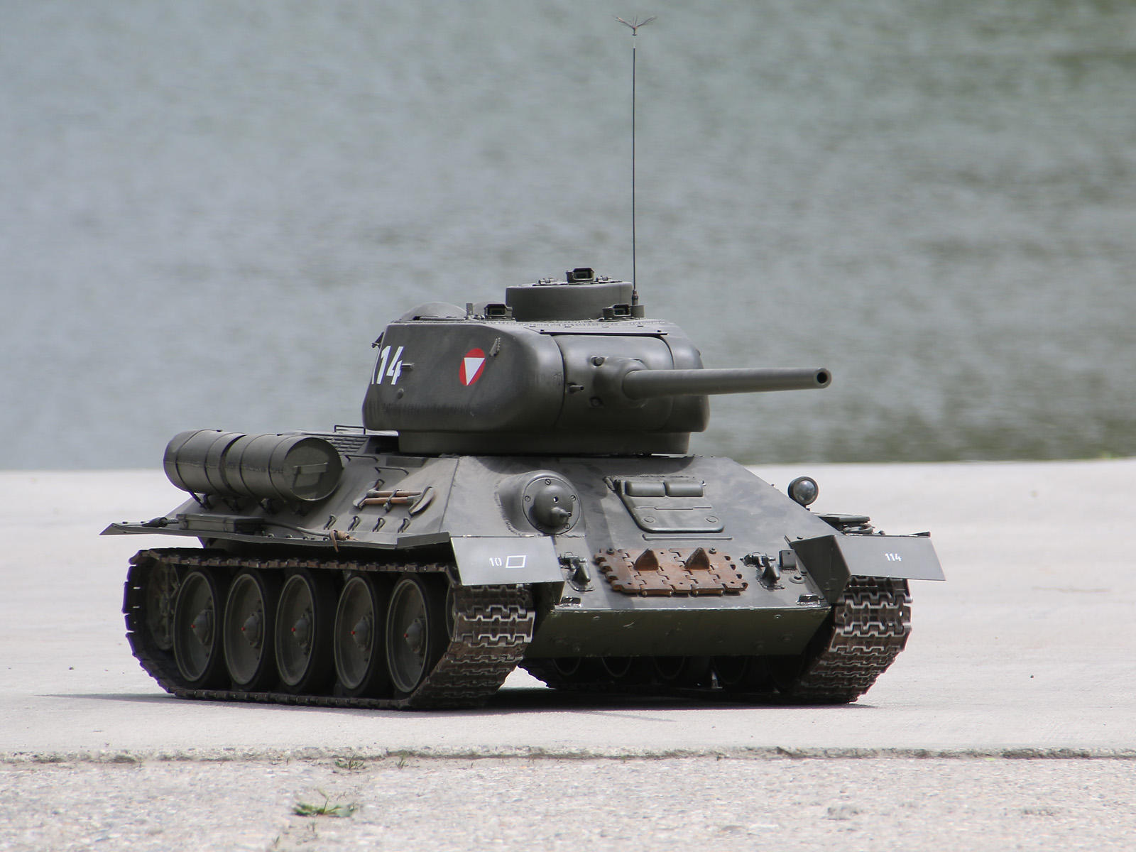 Ferngesteuerter T-34 Kampfpanzer des Bundesheeres © Doppeladler.com