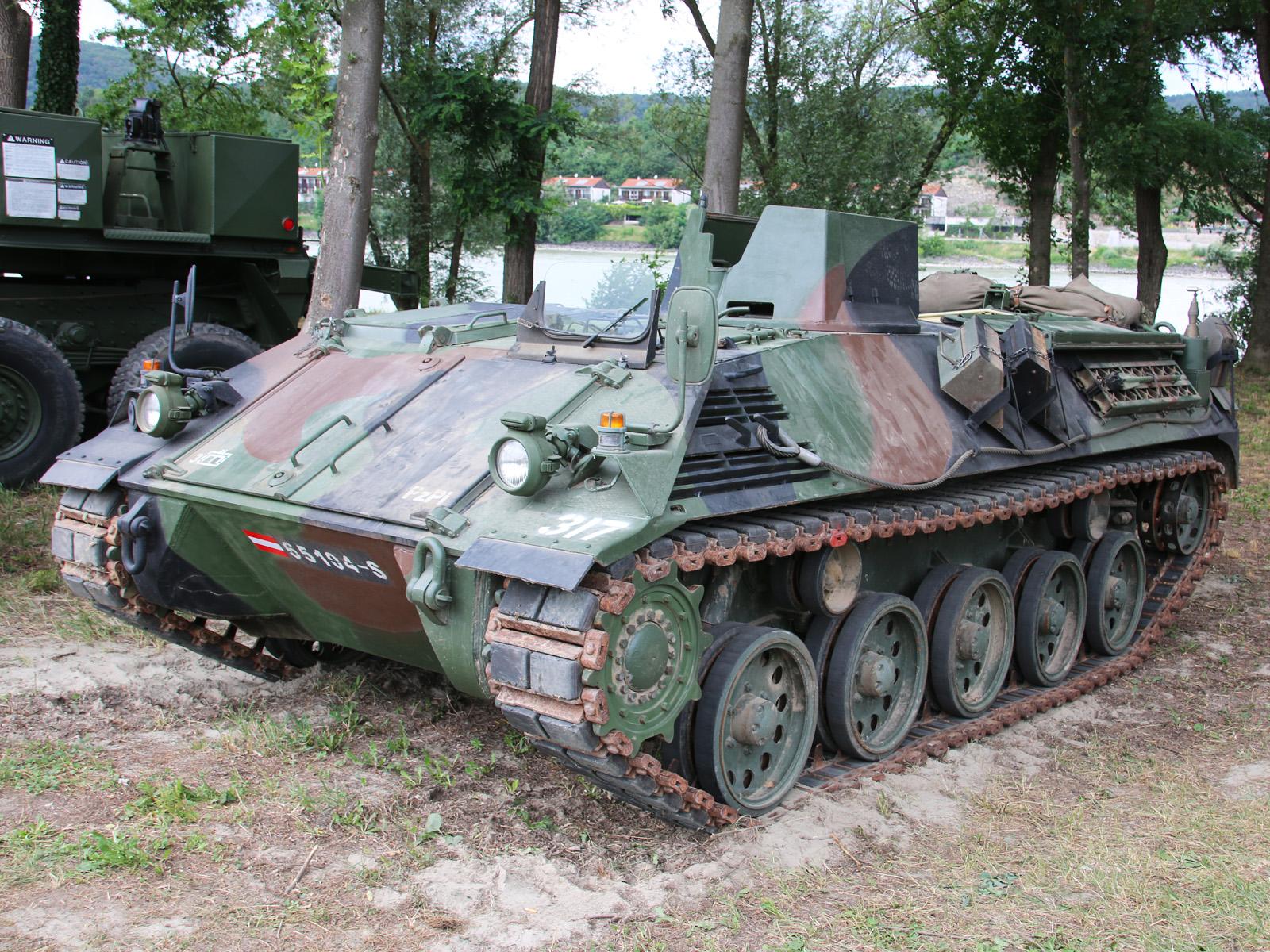 Pensionierter Schützenpanzer Saurer © Doppeladler.com