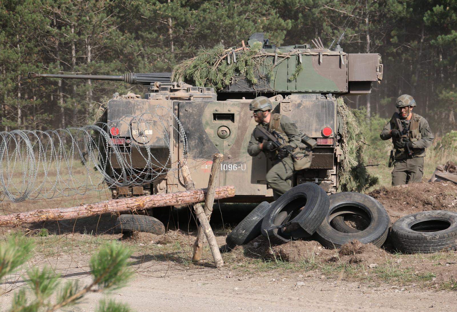 Schützenpanzer und Panzergrenadiere © Doppeladler.com