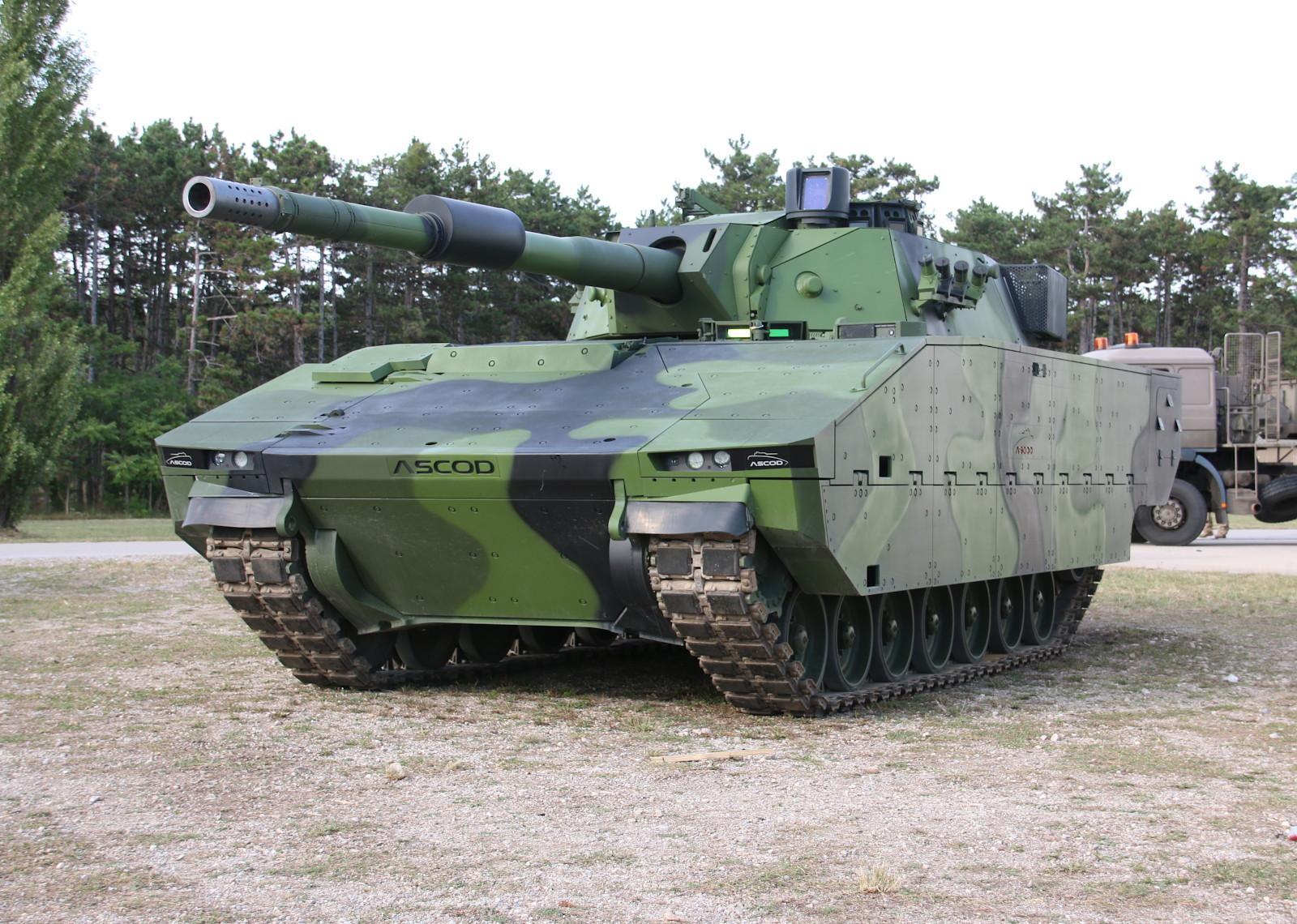 Wuchtiger Auftritt des ASCOD Panzers © Doppeladler.com