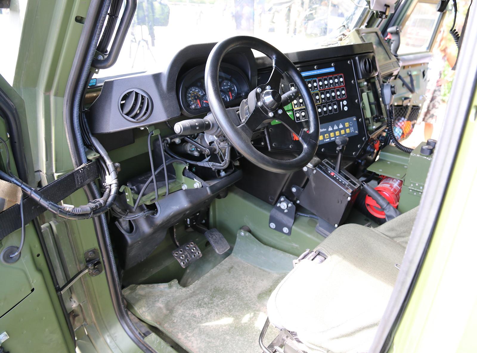 Cockpit des Husar © Doppeladler.com