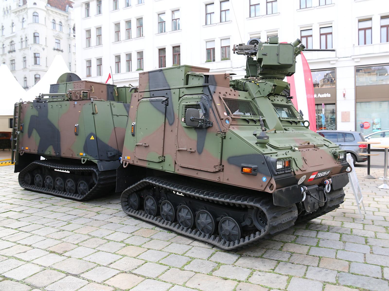32 neue Universalgeländefahrzeug BvS10 AUT Hägglunds (BvS10 Mk IIB) für die Gebirgsjäger © Doppeladler.com