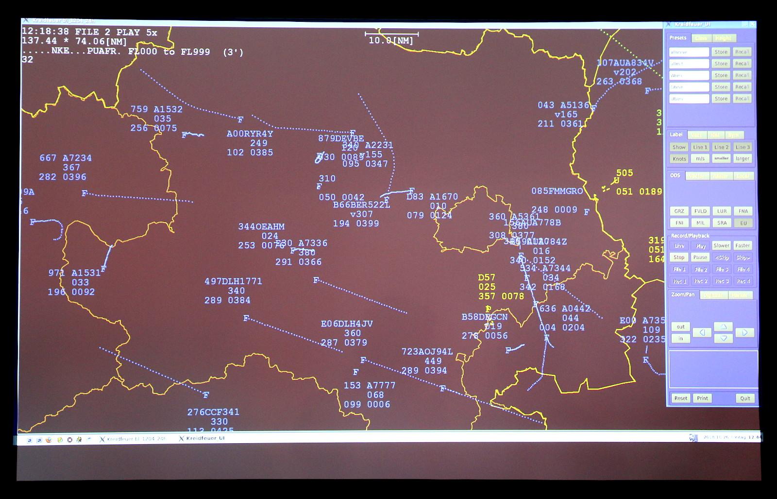 Das Kreidfeuer zeigt das Luftlagebild über Wien. Die Daten kommen vom Luftraumüberwachungssystem Goldhaube © Doppeladler.com