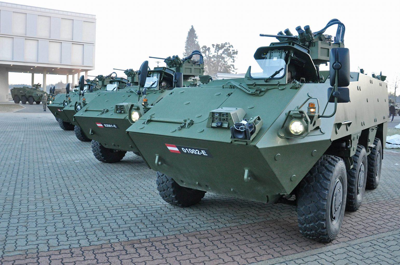 """Die ersten 5 PANDUR EVO (""""Evolution"""") wurden an das Jägerbataillon 17 übergeben © Bundesheer"""