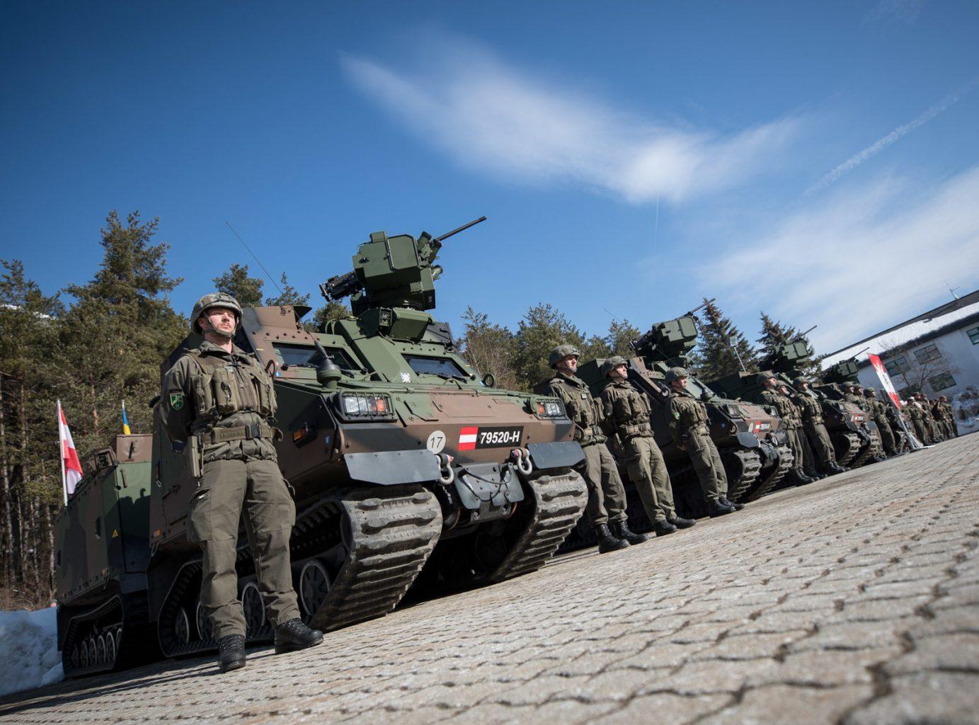 Übergabe der BvS10 AUT Hägglunds an die 6. Gebirgsbrigade © Bundesheer