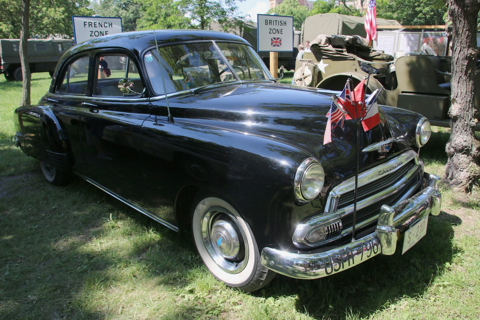 Chevrolet Special Series Six 1500 JJ Styleline, 4 door Sedan (1952 – 1955) © Doppeladler.com