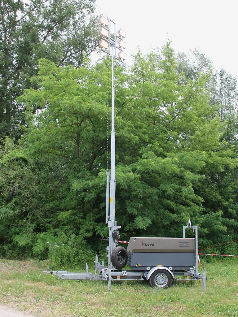 Atlas Copco QAX 20 DDLT Lichtmasten-Anhänger © Doppeladler.com