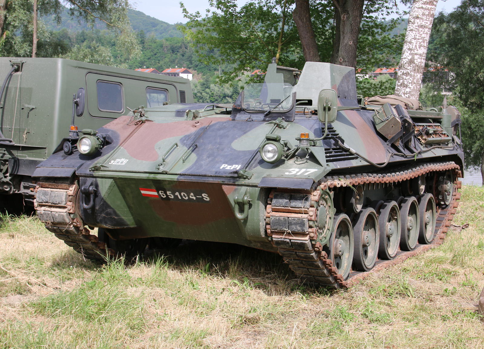 "Schützenpanzer 4K3FA ""Saurer"" © Doppeladler.com"