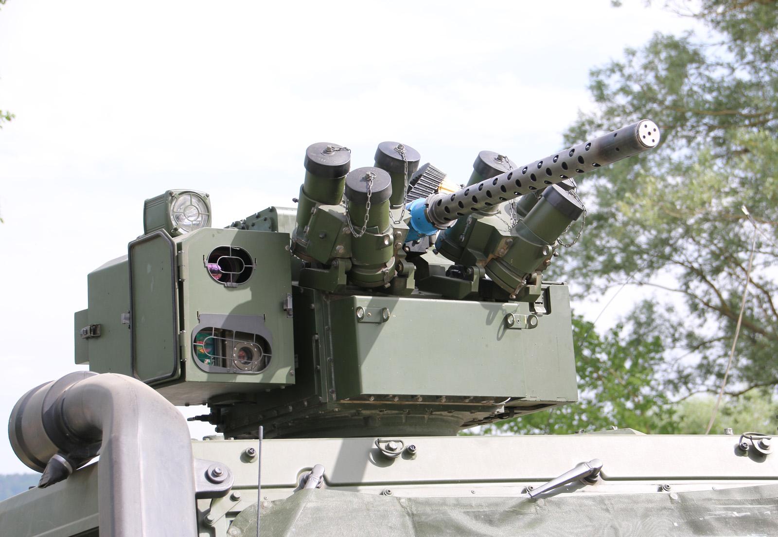 Elektrisch fernbedienbare Waffenstation WS4 Panther der ESL Advanced Information Technology GmbH mit 12,7 mm üsMG mit K-Gerät für Knallmunition © Doppeladler.com