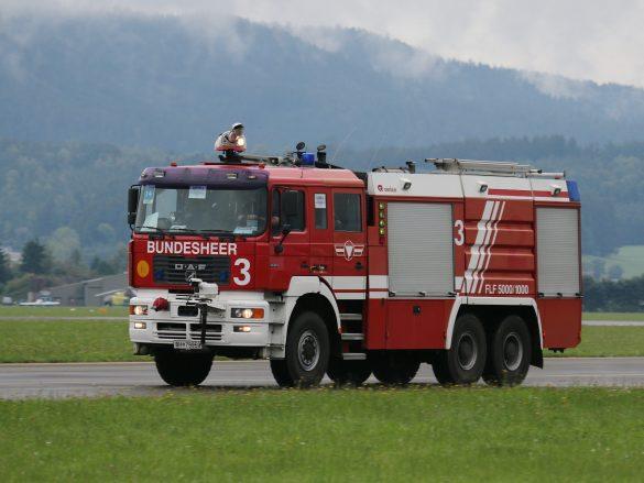 Flughafenlöschfahrzeug FLF 5000/1000 © Doppeladler.com