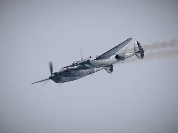 Lockheed P-38L Lightning 'N25Y' © Doppeladler.com